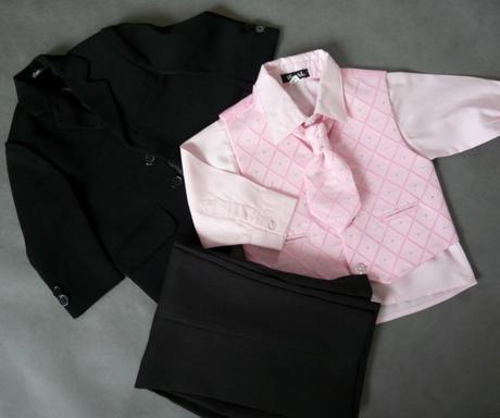 Oblek s růžovou košilí a vestou - půjčovné, 104