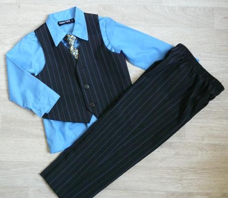 Půjčím/k prodeji modro-černý oblek 3-5 let, 110