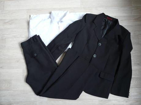 Půjčím/k prodeji oblek, 9 let, 146