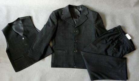 Půjčím/k prodeji oblek černý kostičkový oblek, 128