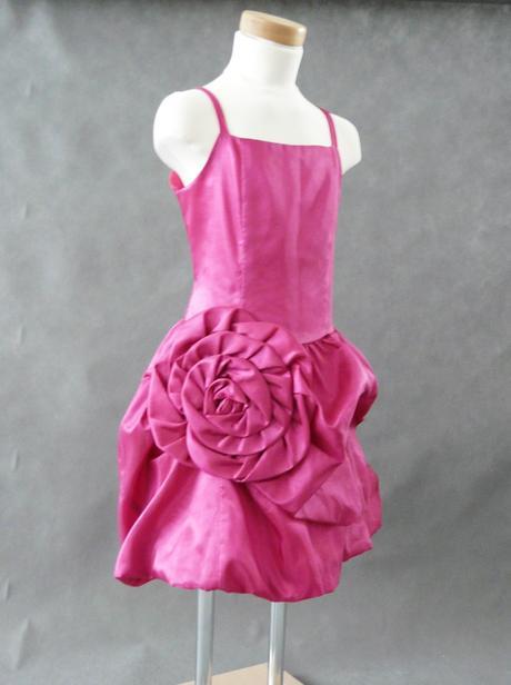 Růžové šaty k prodeji, 6-14 let, 140