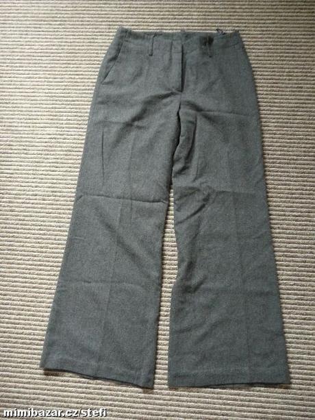 Šedé teplejší kalhoty, 38