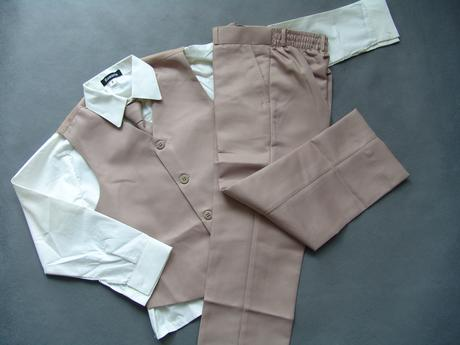 SKLADEM - béžový oblek k zapůjčení,18-23, 4-5 let, 92