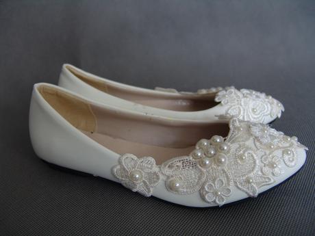 SKLADEM - bílé balerínky pro družičky, 35