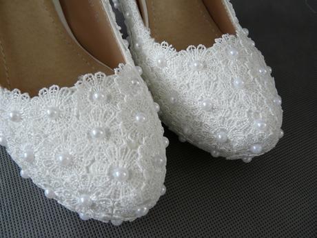 SKLADEM - bílé perličkové lodičky, vysoký podpatek, 38