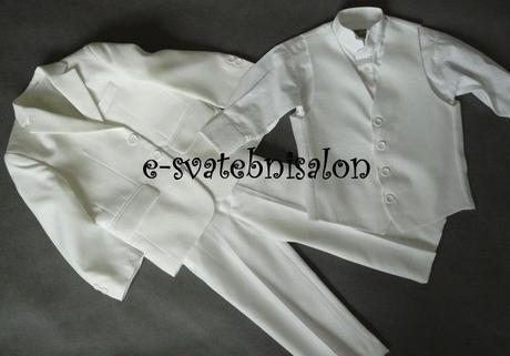 SKLADEM - bílý svatební oblek, 92