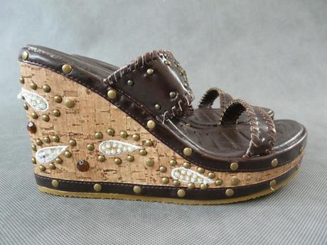 SKLADEM - hnědé pantofle, 39