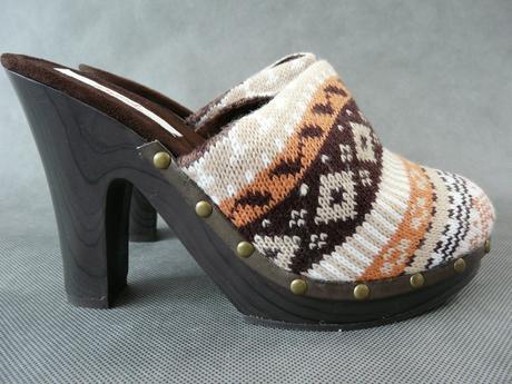 SKLADEM - hnědé pantofle, dřeváky, 40