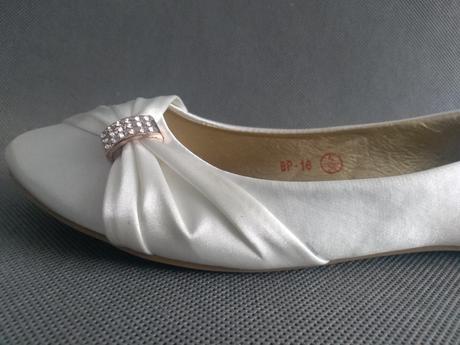 SKLADEM - ivory saténové baleríny, 38