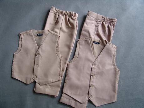 SKLADEM - k zapůjčení béžový oblek, 18-23, 4 a 5 l, 110
