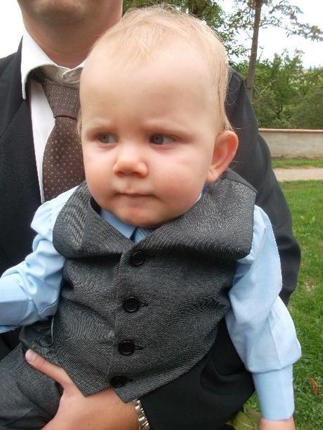 SKLADEM - k zapůjčení šedý oblek 6m-8let, 68