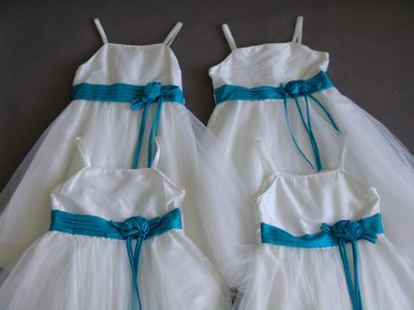 SKLADEM - šaty k zapůjčení, 5-10 let, 128