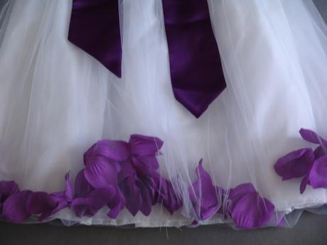 SKLADEM - šaty k zapůjčení, 5-7 let, 122