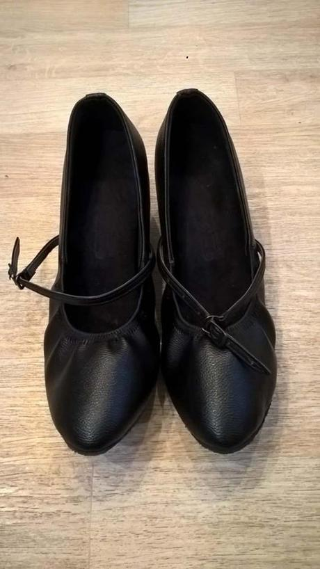 SKLADEM - taneční černé lodičky, 39