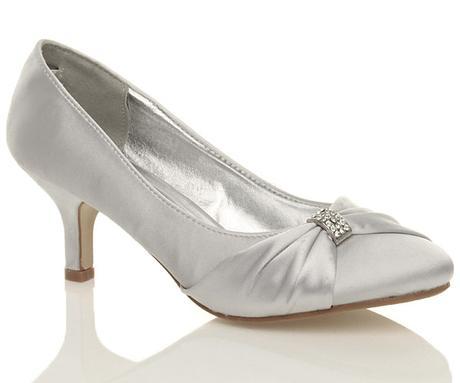 Stříbrné saténové svatební lodičky, nízký podpatek, 41