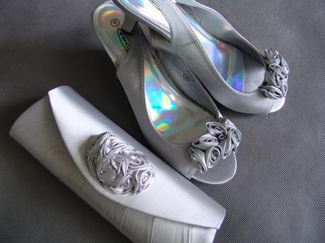 Stříbrné saténové svatební lodičky, nízký podpatek, 40