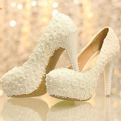 Svatební lodičky plné perliček, 38