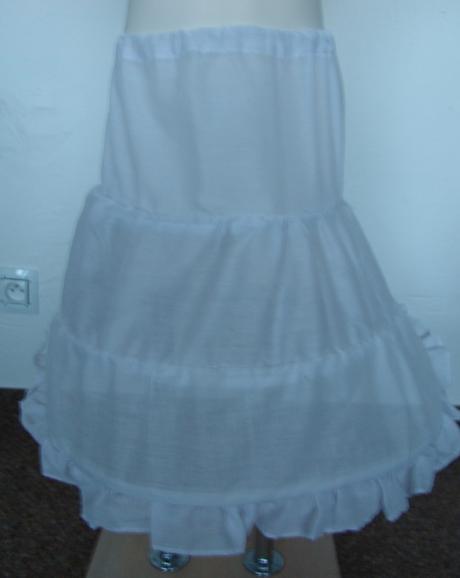 Svatební spodnička skladem, 104