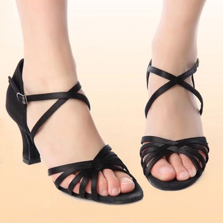 Tělové sandálky, možno i dovnitř na svatbu, 35
