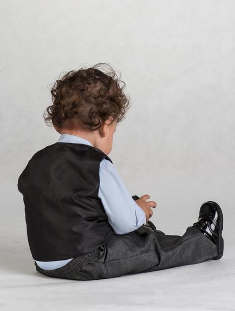Tmavě šedý oblek, modrá košile, 3m-8let, půjčovné, 104