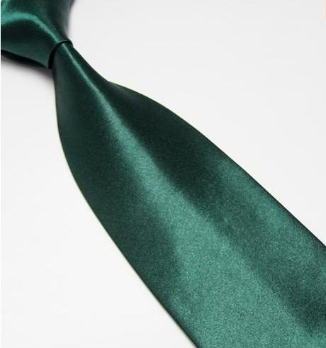 Tmavě zelená pánská kravata,