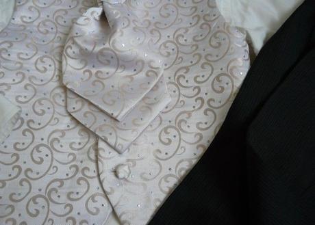 Zapůjčím společenský, svatební dětský oblek, 110