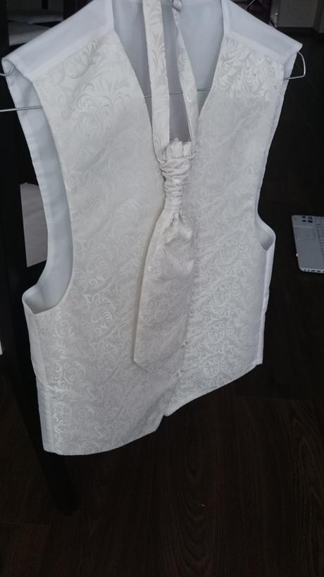 vesta + francuzka kravata (M), 40
