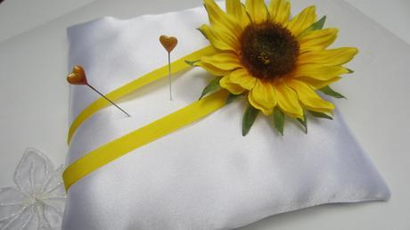 Polštářek pod prstýnky se slunečnicí,