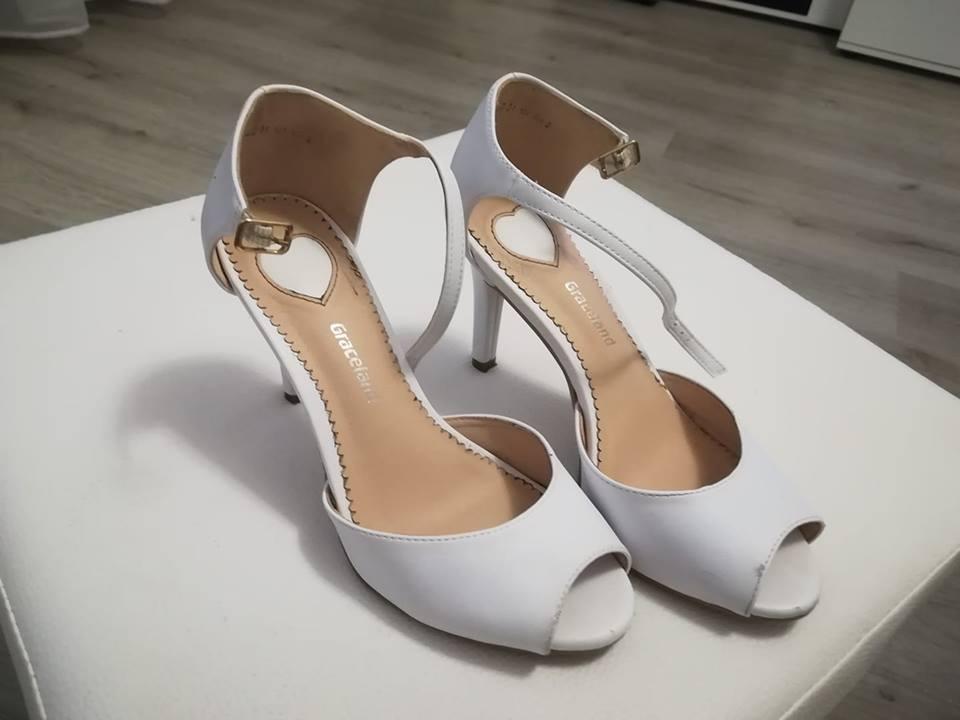dc10f53431bb Svadobné topánky