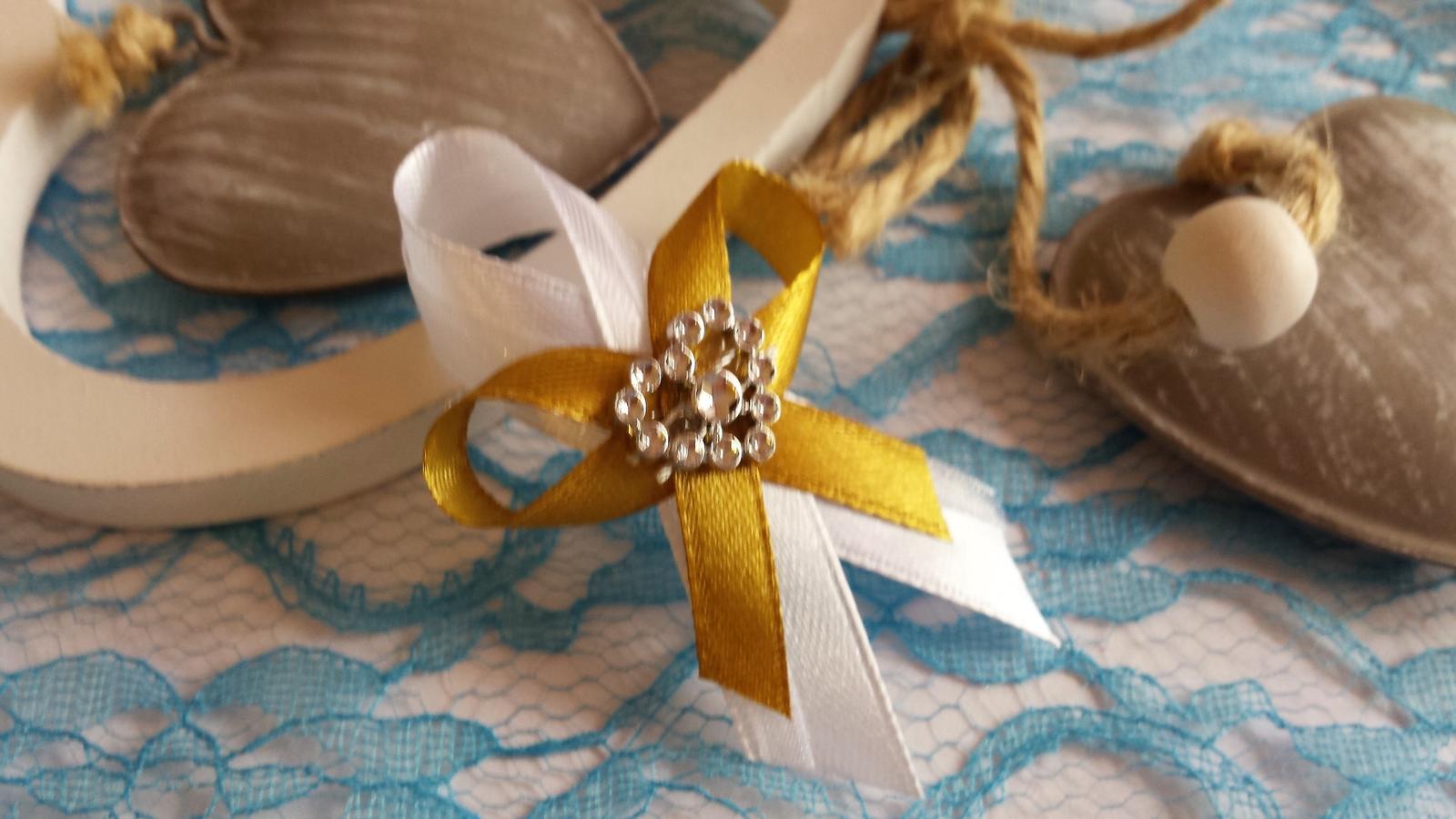 df6157e51 Svadobné pierko biela + zlatá zo srdiečkom, - 0,27 € | Svadobné shopy |  Mojasvadba.sk