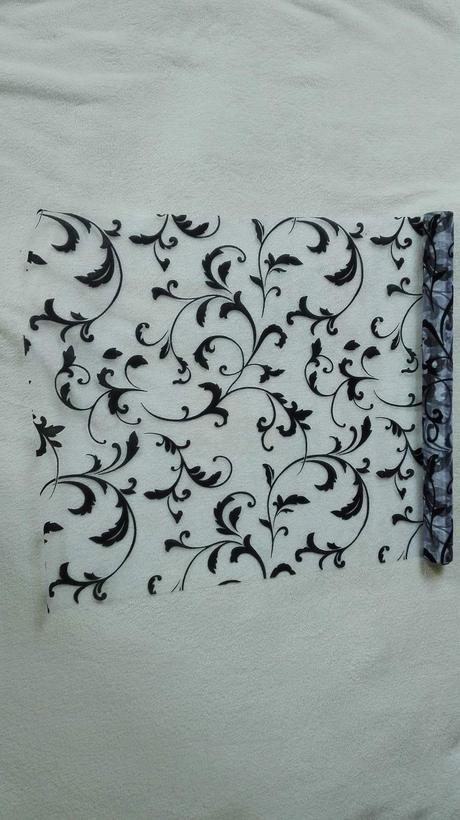 Organza glitrovaná 47 cm x 5 m, biela - čierna,