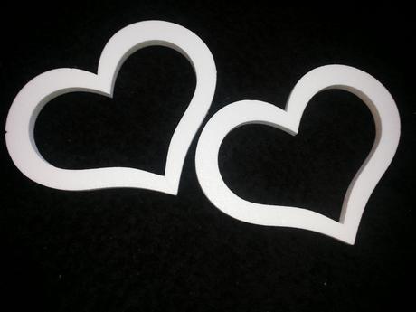 Polystyrenove srdcia rozne velkosti,