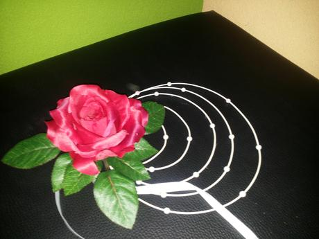 Ratanový krúžok s ružičkou,