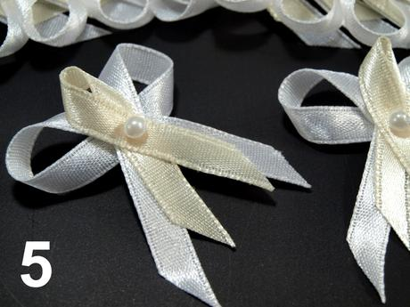 Svadobné pierka, mašličky smotanová + biela 35 mm,