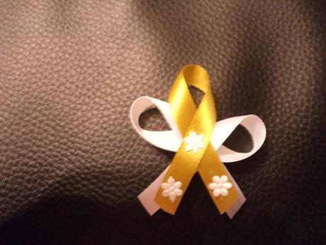 svadobné pierka zlaté, jemné,