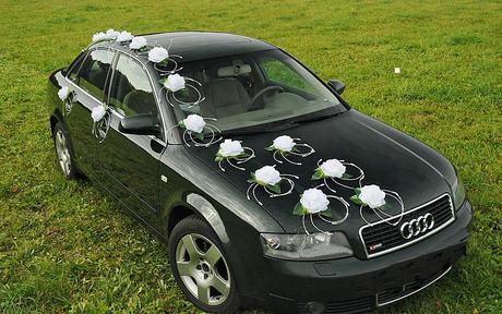 vyzdoba na svadobne auto,