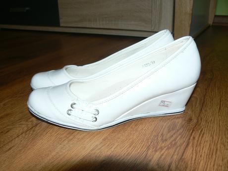 biele topánočky - Stále aktuálne, 39