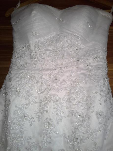 Svatební šaty Pronovias s krajkou, 38