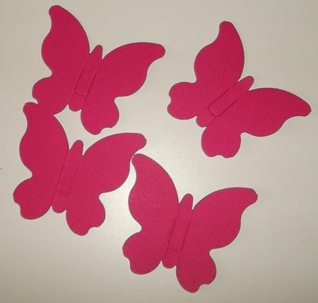 Ozdobný papírový motýl,