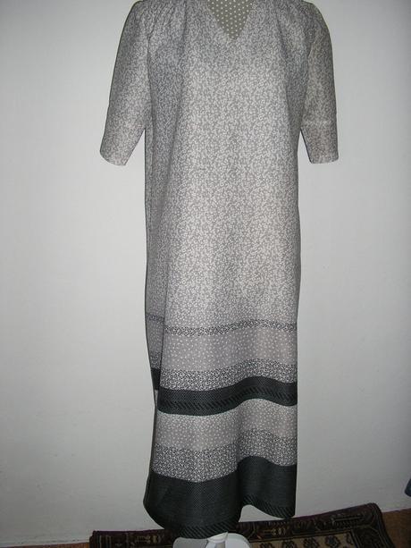 1005 Šaty , XL