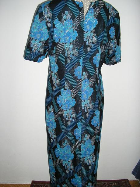 1085 Večerné šaty, XL