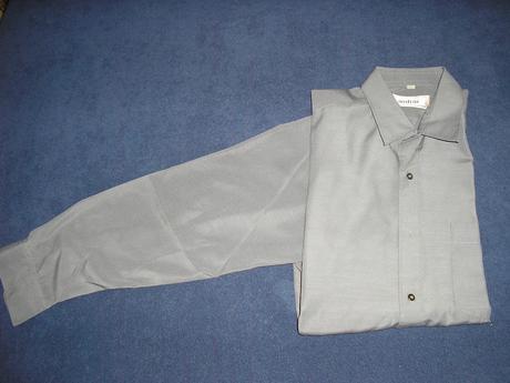 113. Sivá pánska košeľa , 40
