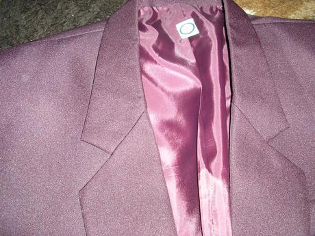 1209. Oblek , 46