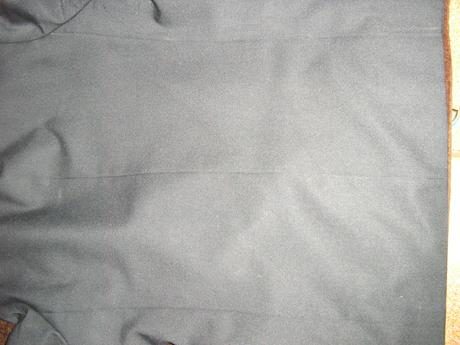 1211. Čierne sako , M