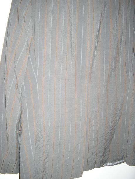 1295. Sivý prúž. oblek, 48