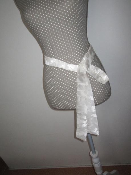 1598. Univ. kravata, opasok,
