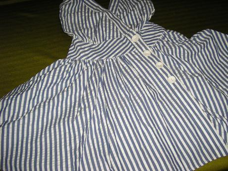 235. Zavínovacie šaty , S