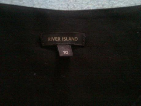 251. River Island Šaty, M