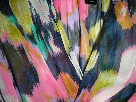 351. Pestrofarebné šaty , S
