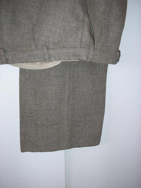 479. Oblek pre svad. otca                  , L